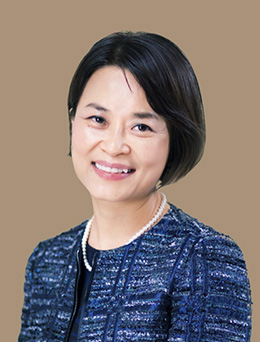 Chief Stategy Officer의 Helen  Lee 소개 이미지.